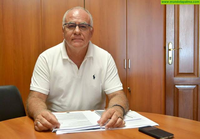 El Cabildo recibe el estudio de viabilidad para poner en marcha plantas de desalación