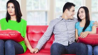 10 Tanda Pasangan Anda Mulai Selingkuh