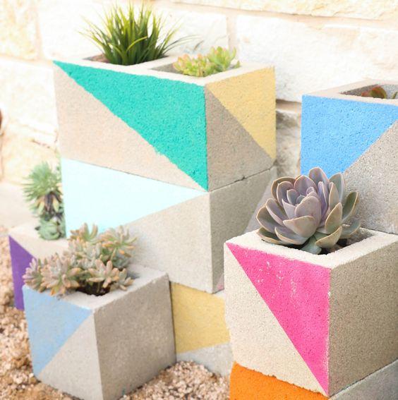 Κατασκευές με Τσιμεντόλιθους για τον Κήπο ή το Μπαλκόνι σας