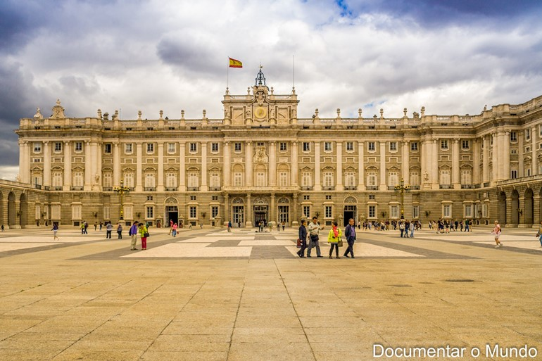 Palácio Real de Madrid; Palácios Reais de Espanha