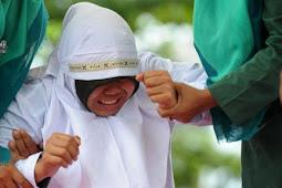 Apakah penerapan hukum cambuk di Aceh tetap 'pandang bulu'?