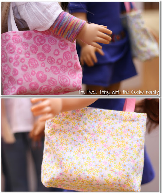 Free doll patterns for an American Girl Doll reversible tote with removable flower. Too cute! #sewing #AmericanGirl