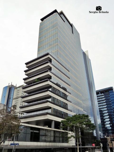 Vista ampla do Edifício Icon Faria Lima - Itaim Bibi - São Paulo
