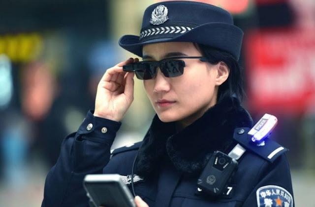 Kacamata Pengintai Bantu Tangkap Buronan di China