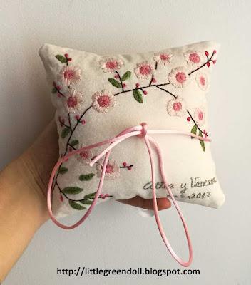 Cojín portaalianzas bordado Wedding Ring Pillow