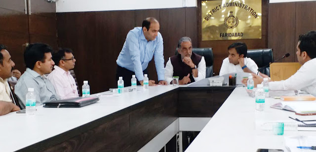 Union Minister of State Krishna Pal Gujjar reviewed the development work with the district officials