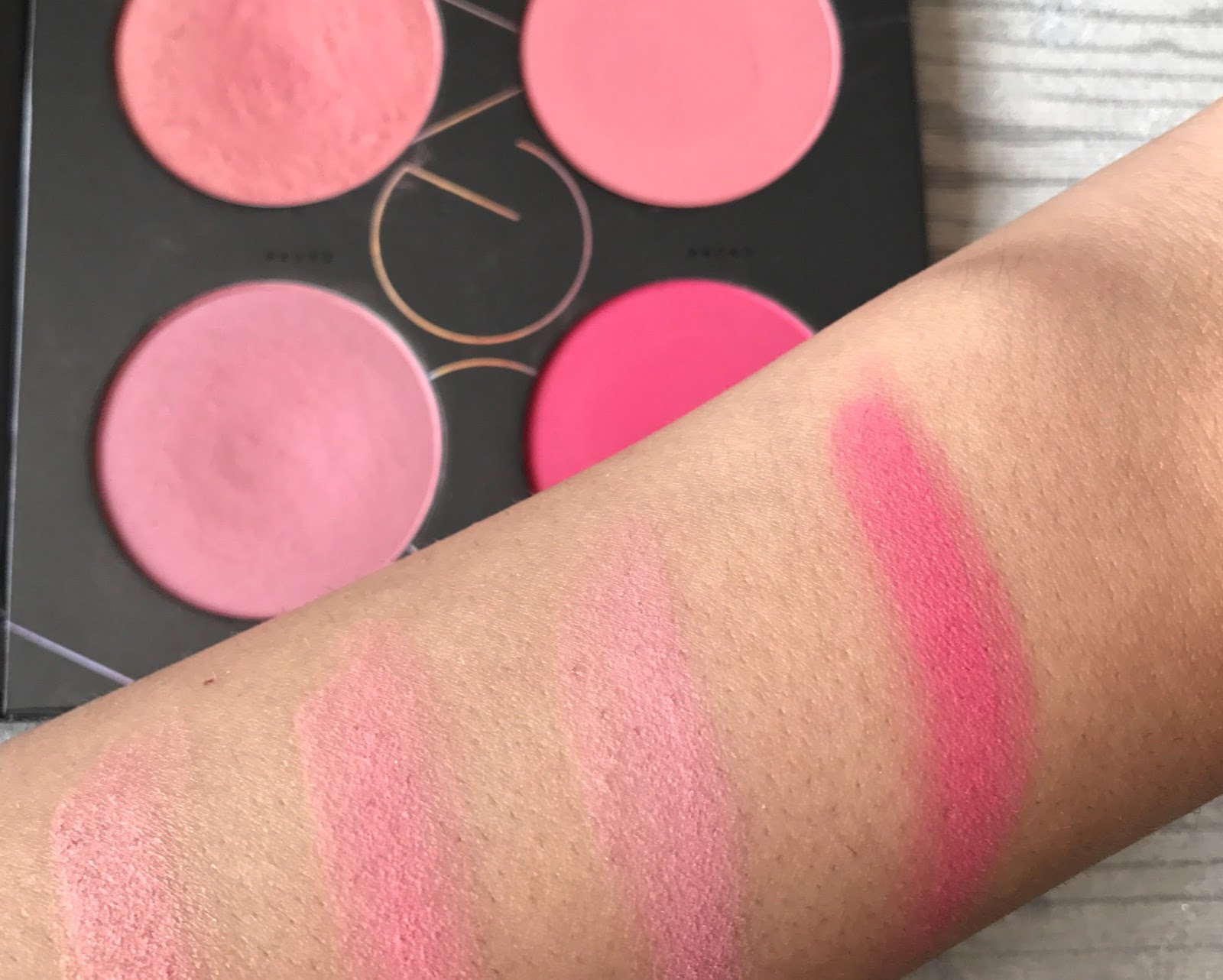 Zoeva Pink Blush Palette