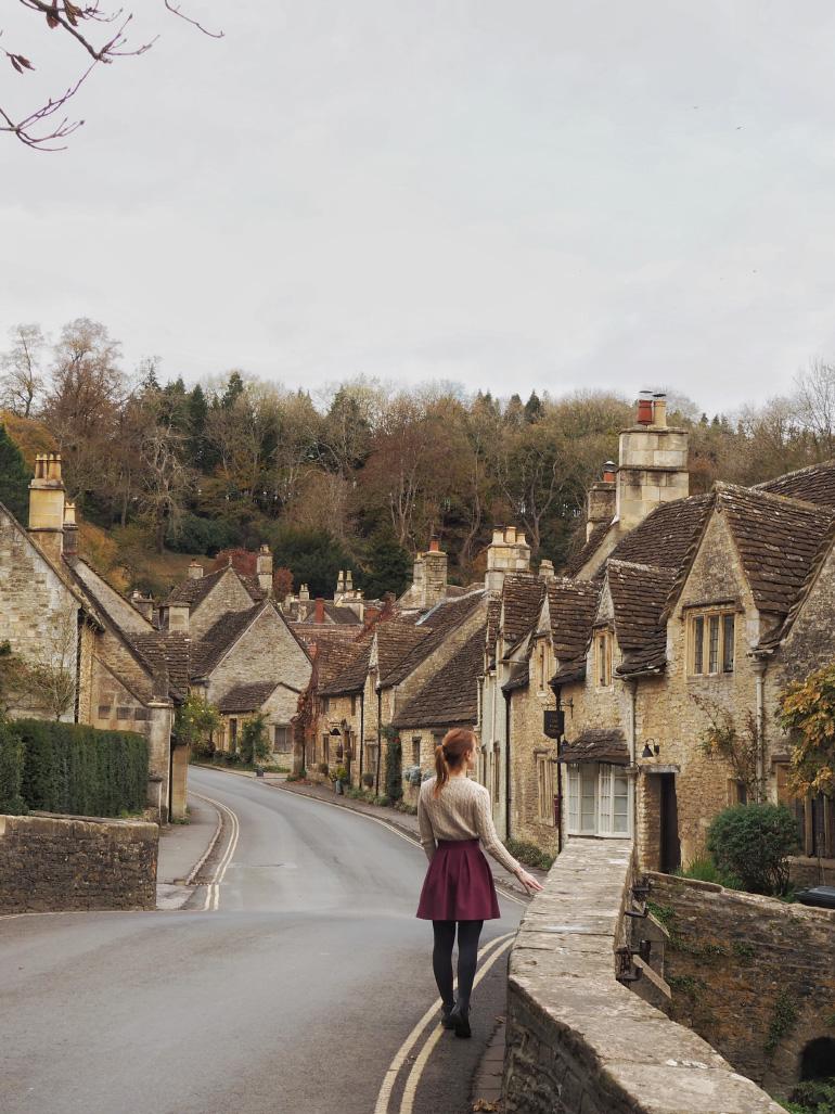 Le village de Castle Combe dans les Cotswolds en Angleterre