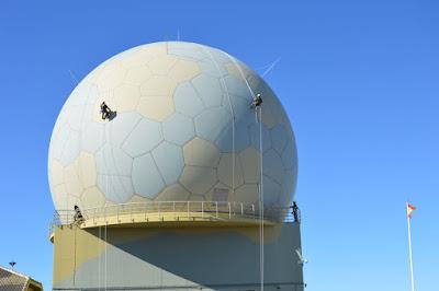 El Ejército del Aire recupera el mantenimiento de los radomos de los radares del Sistema de Mando y Control