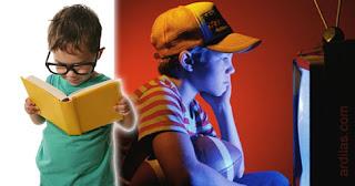 Membaca buku dan menonton televisi terlalu dekat - Tips Cara Mencegah Atau Menghindari Mata Rabun Minus