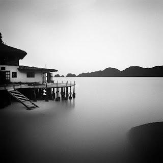 Paisaje blanco y negro -lago