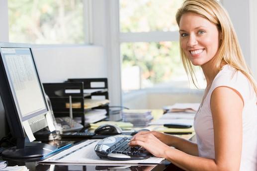 10 Posisi yang Benar Ketika Duduk di Depan Komputer
