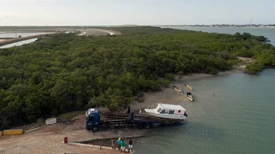 Prefeitura de Galinhos no RN adquire ambulância aquática