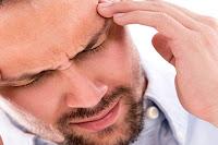 Migren Olmuş Erkek Fotoğrafı