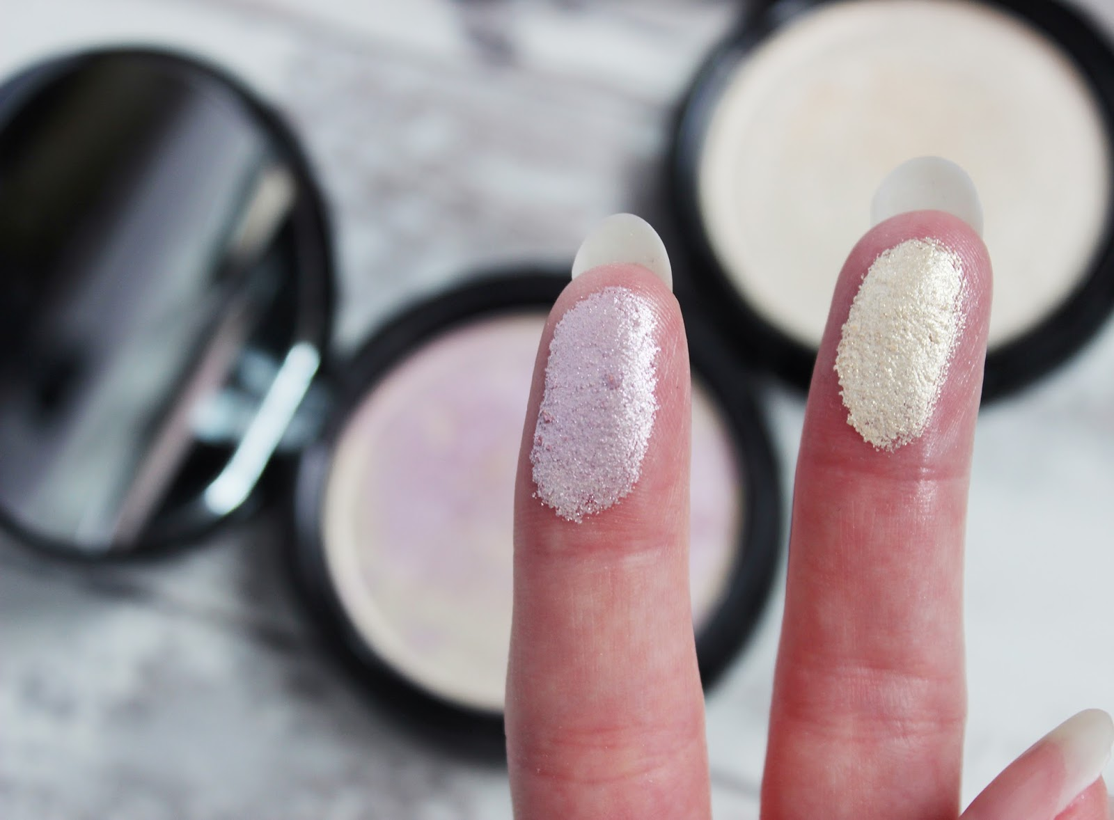 Phee's Makeup shop Glow highlighter review and swatches
