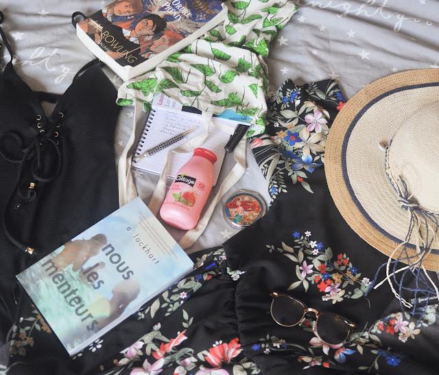 Lifestyle sélection spécial été dans ma valise cet été Produits beauté look mode maillot livres PAL Coin des licornes Blog littéraire Toulouse