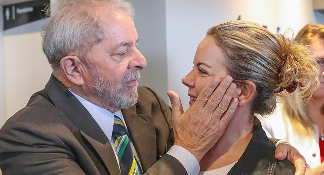 Gleisi Lula Hoffmann também confirmou no Twitter que não vai cumprir o acordo de transferência do acampamento em frente à PF.