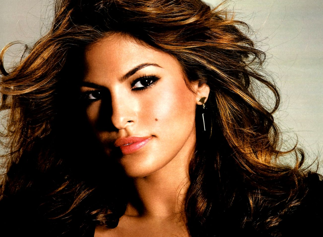Black and White Eva Mendes Wallpaper | Full HD Pictures