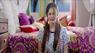 Sunny Leone Crying Baby Photo In Beiimaan Love Movie