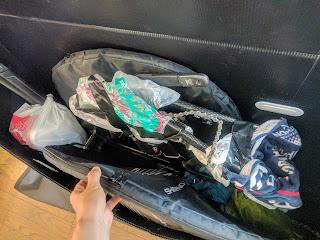 輪行箱に分解して詰めた自転車と荷物