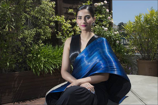 Sonam electrifies in an unconventional Rimzim Dadu A/W metallic wire sari: Cannes 2016