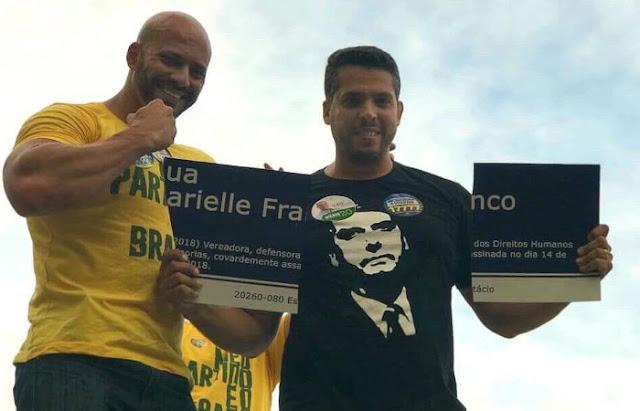 Candidatos do PSL arrancam placa em homenagem a Marielle no Centro do Rio
