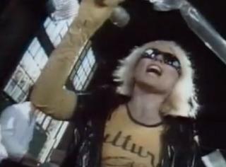 videos-musicales-de-los-80-atomic-blondie