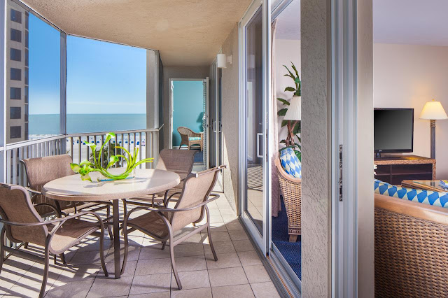 Escape to GullWing Beach Resort on Estero Island in Fort Myers featuring spacious beachfront suites, white sand beach, golf packages and plenty to do.