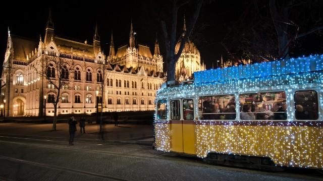 mercatini-di-natale-budapest-tram-poracci-in-viaggio