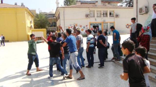 عراك بين طلاب سوريون وأتراك انتهى بتدخل الشرطة