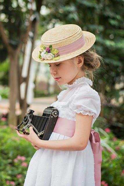 #canotier #niña #nerinee #complementos #modaceremonia #pequeñafashionista