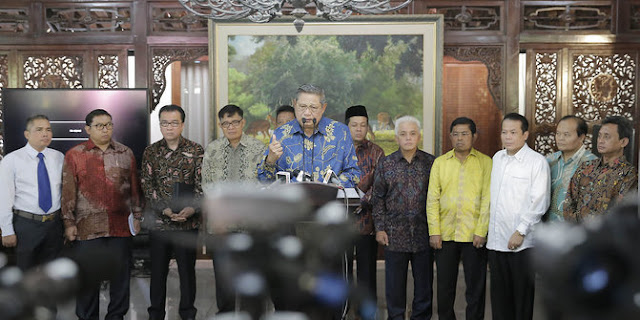 SBY Tak Tahu Agus Jadi Kandidat Pilgub, Terus Siapa Yang Mencalonkan?