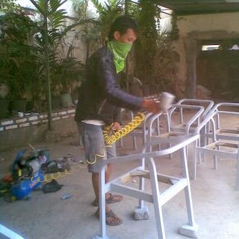 Perbaikan Kursi Kantor
