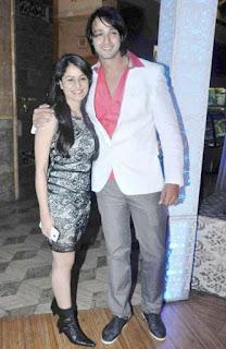 Foto Saurabh Raj Jain dengan Istrinya Riddhima