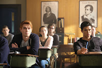 Riverdale Season 2 K.J. Apa and Charles Melton image 1 (10)