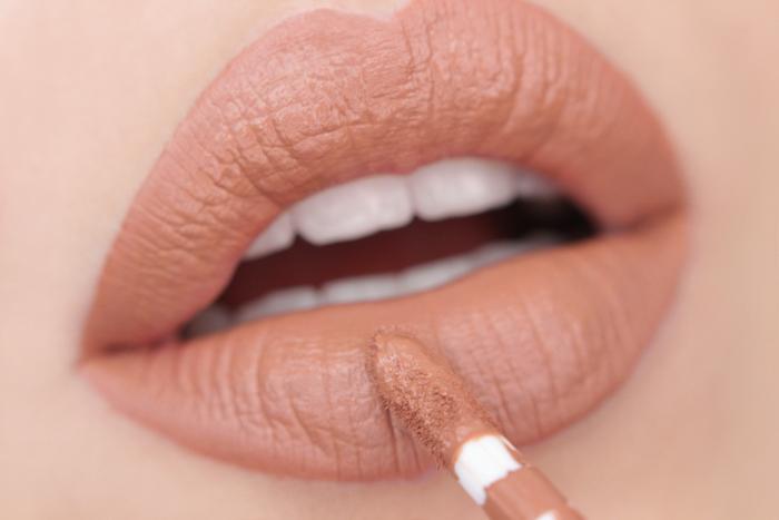 nabla matte liquid lipstick Middle Karma