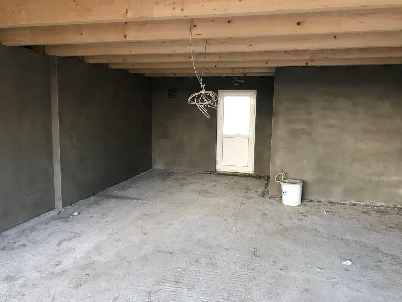 bautagebuch von thommy und stephan die garage ist verputzt und der estrich gelegt. Black Bedroom Furniture Sets. Home Design Ideas