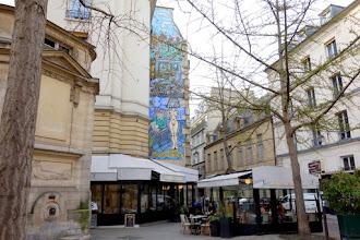 Paris : La femme, lumière de l'homme, une fresque de Robert Combas - 3 rue des Haudriettes - IIIème
