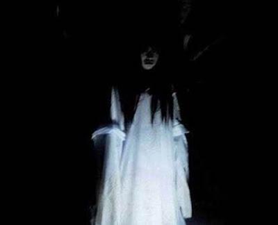 cerita hantu
