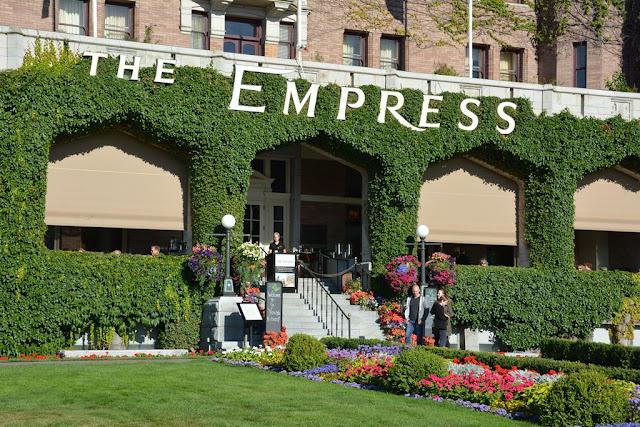 Empress Hotel Victoria Island garden