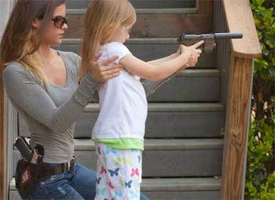 mitos salah tentang senjata api