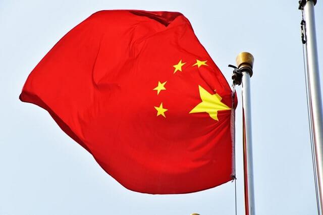 مبيعات هواتف الايفون ترتفع بالصين ولكن قد تنخفض مُجدداً