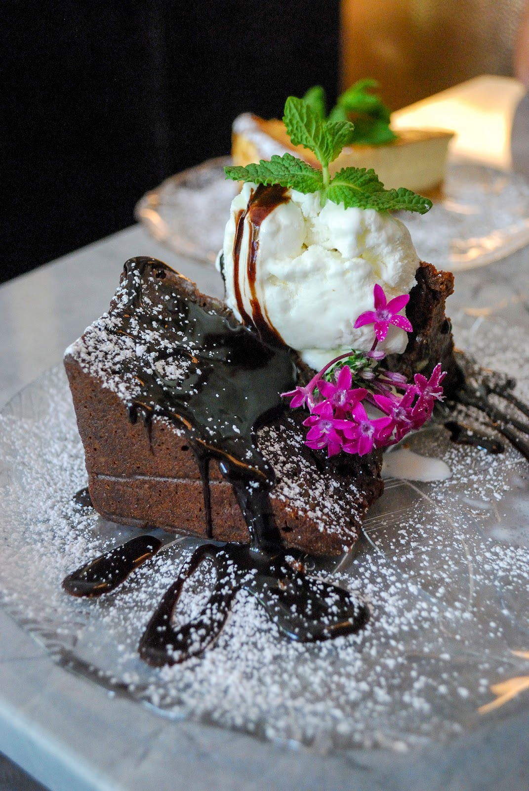 gigi romantic restaurant chamberi luchana madrid chocolate brownie