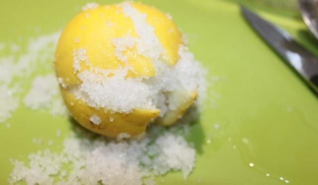 طريقة عمل الليمون المخلل