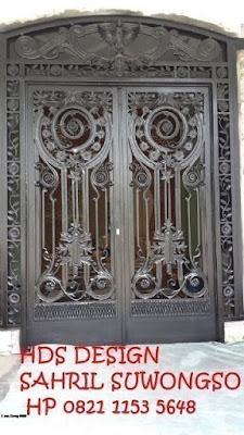 pagar tempa klasik untuk rumah klasik