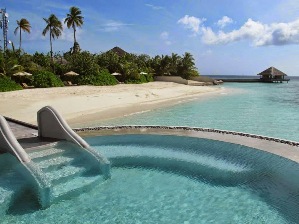 Lonu Veyo (Floatation Pool) - Huvafen Fushi, Maldives