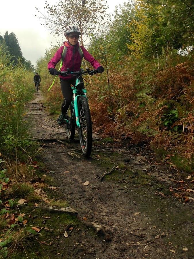 Trail mit Bikerin in Aachen