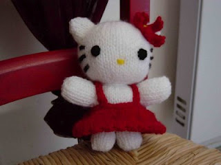 HELLO KITTY AMIGURUMI | 240x320