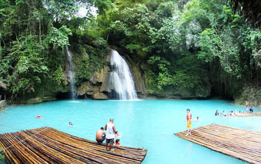 Kawasan Falls: A place of majestic beauty.