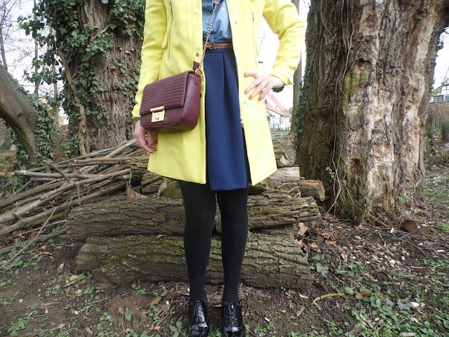 tenue femme jaune